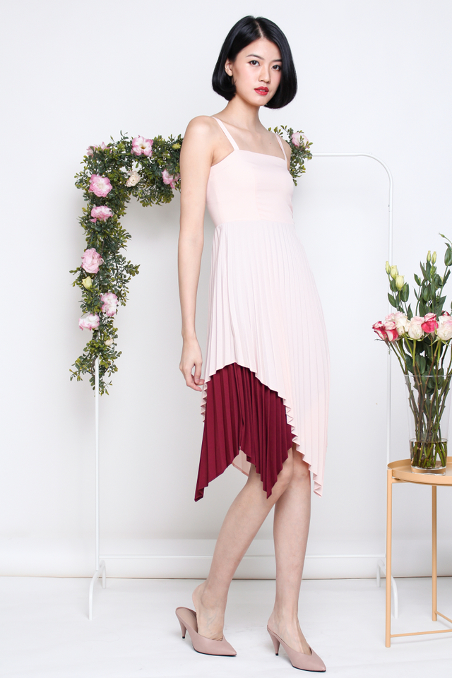 AMBER DUO TONE PLEAT DRESS PINK