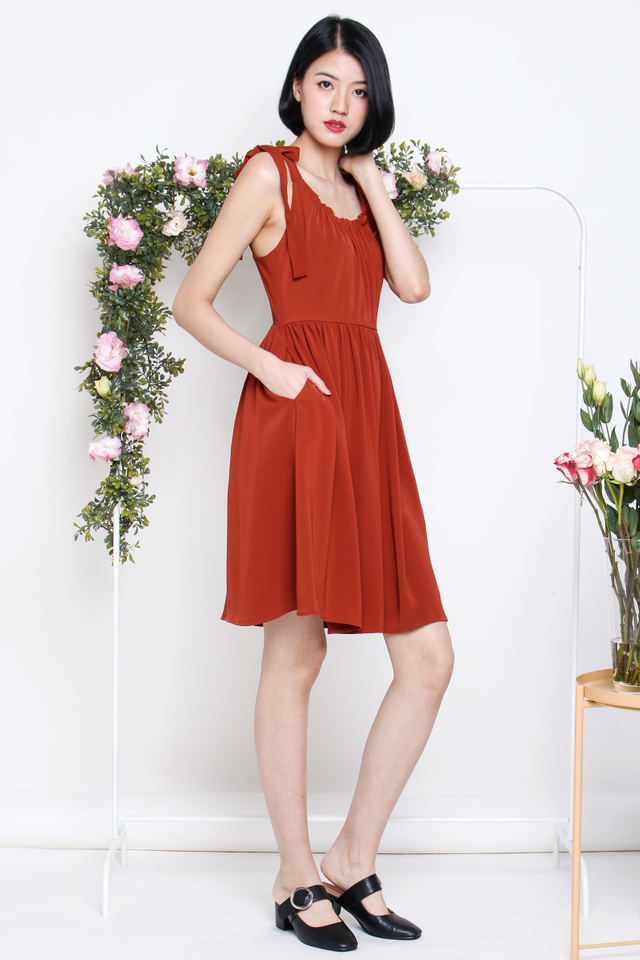 RACHEL TIESHOULDER SWING DRESS RUST