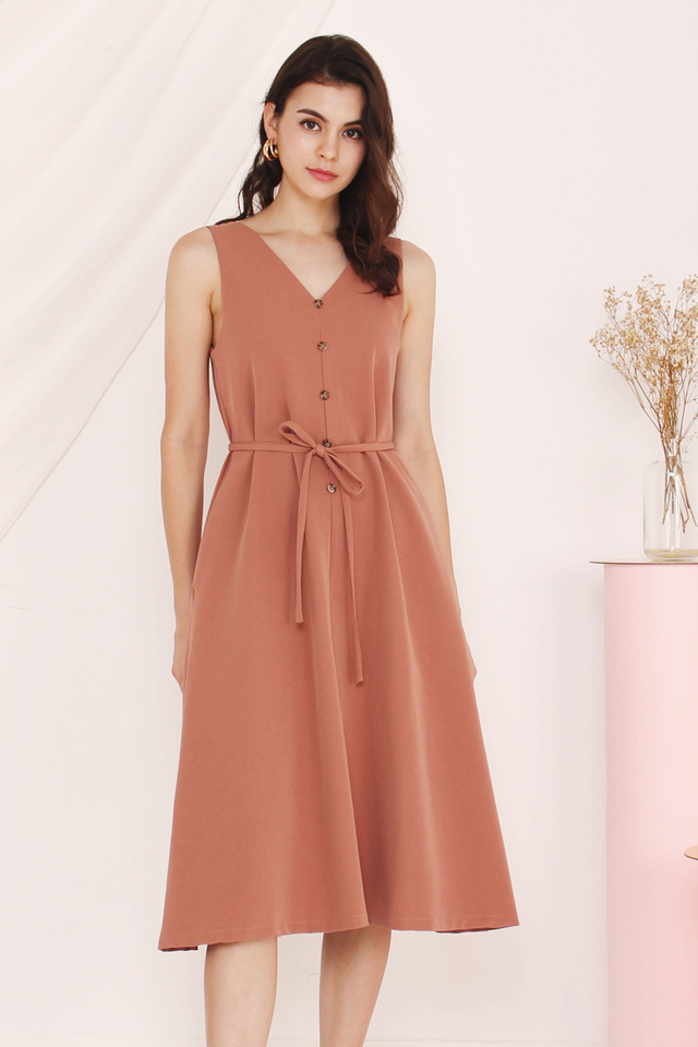 ELLEN V NECK FLARE DRESS CHAI