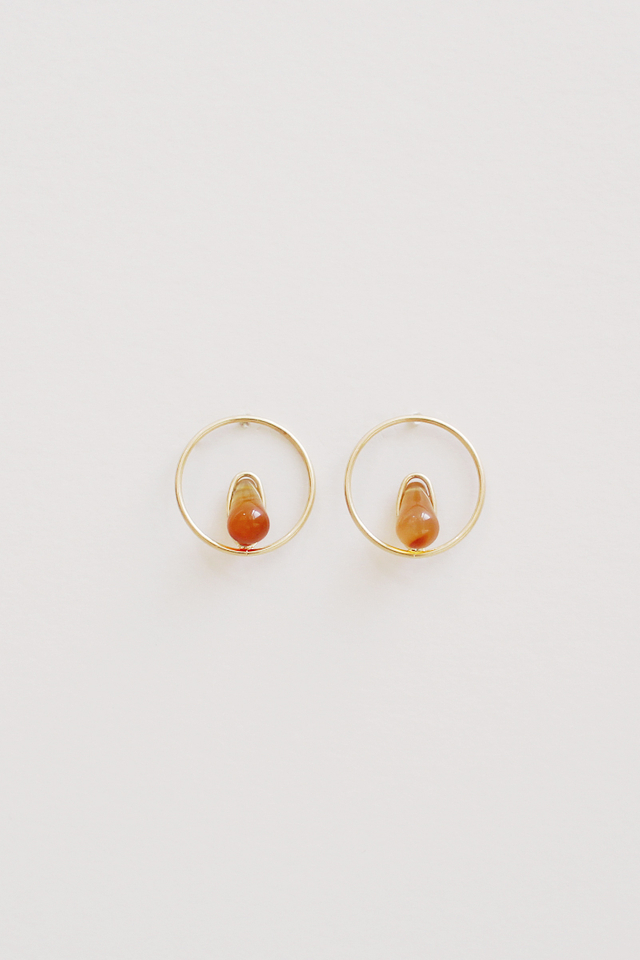 GOLD RESIN EARRINGS DARK