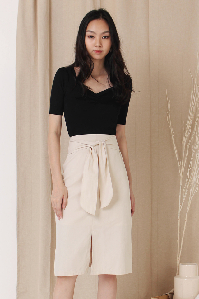 CARLY KNIT RUCHED TOP BLACK (RESTOCK)