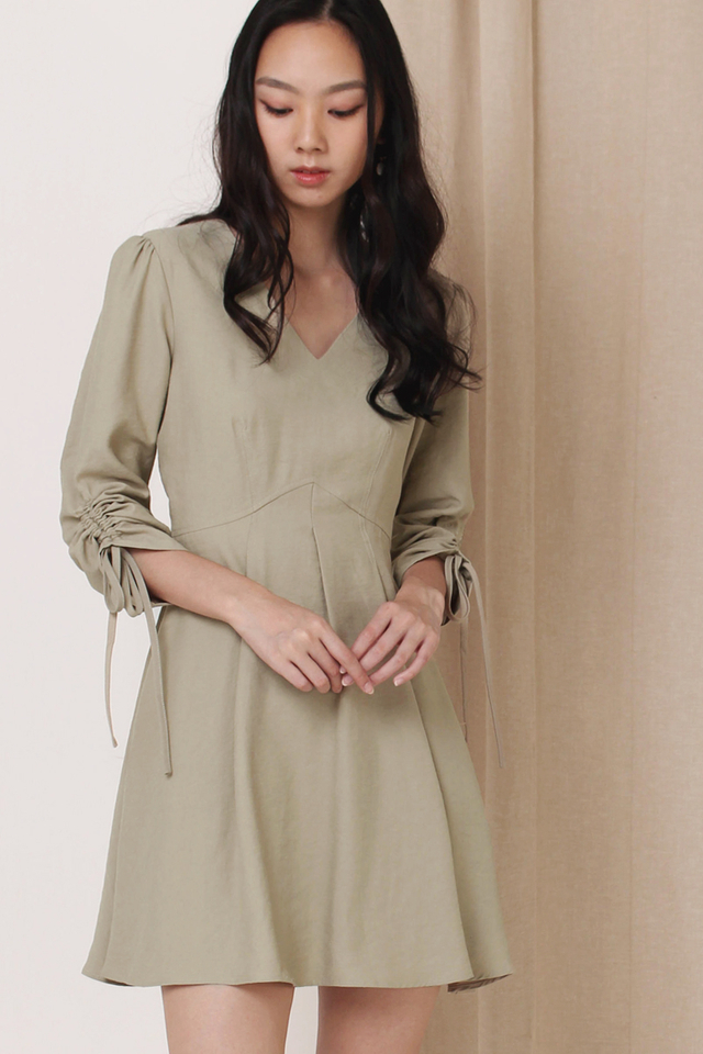 FIONA RUCHED SLEEVE DRESS MOSS