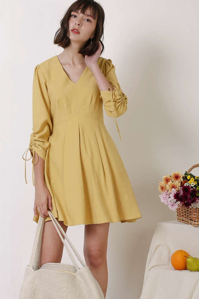 FIONA RUCHED SLEEVE DRESS YELLOW