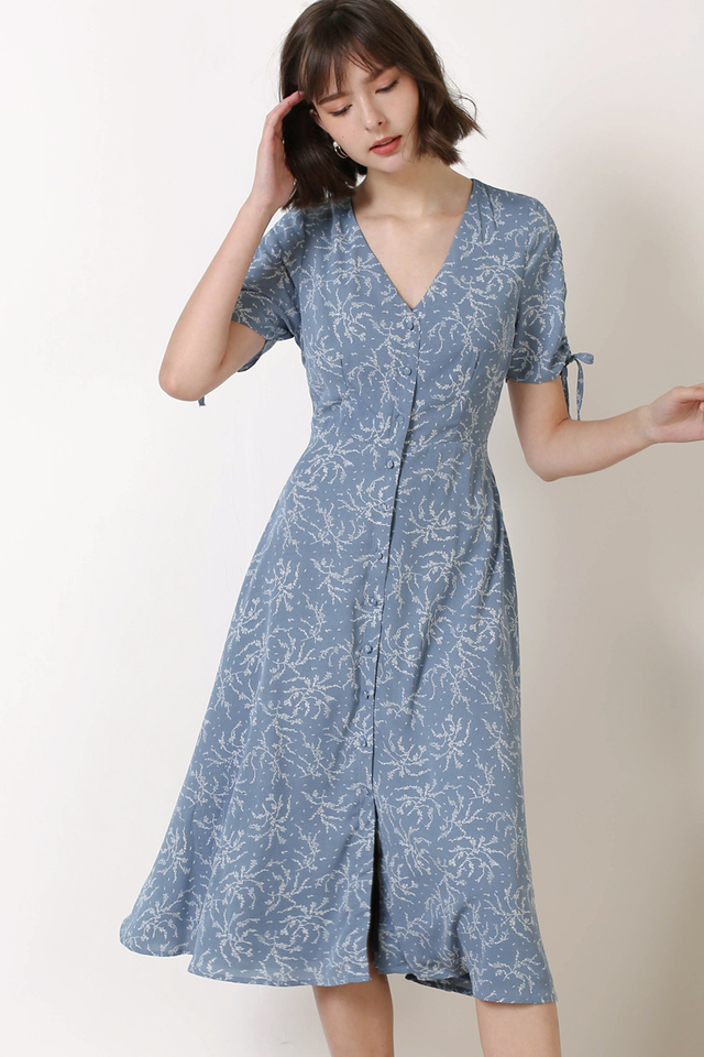 LILITH BUTTONDOWN DRESS BLUE