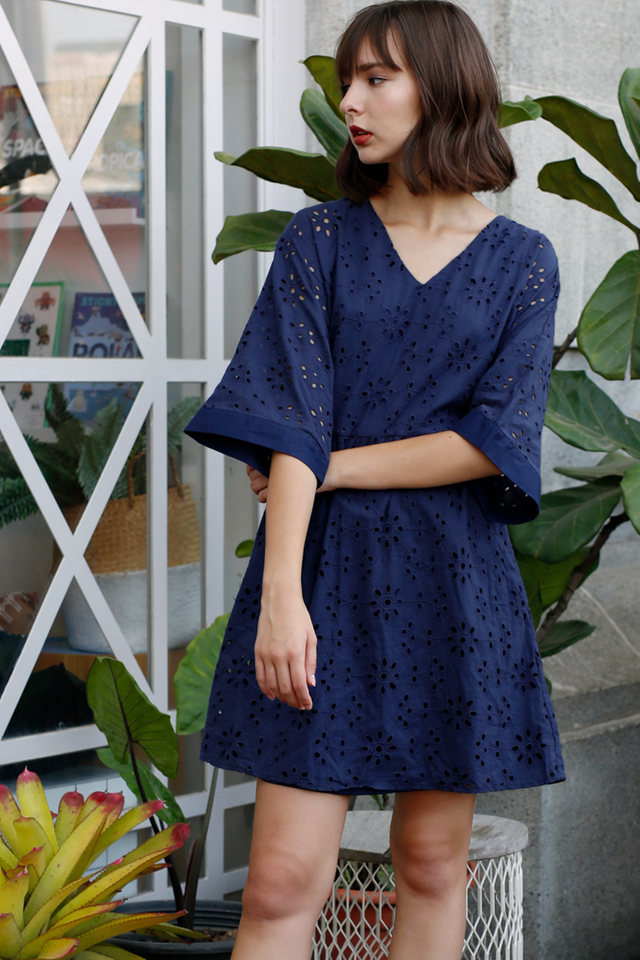 SAVANNAH EYELET DRESS NAVY