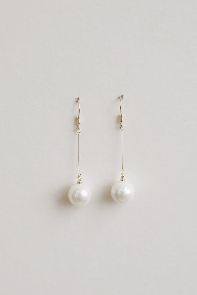 GOLD PEARL DANGLES