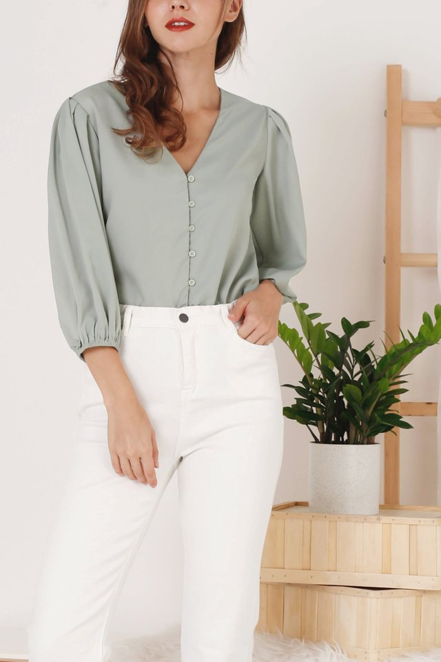 ADELINE BUTTON TOP SAGE