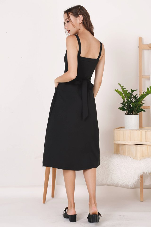 COLETTE POCKET DRESS BLACK