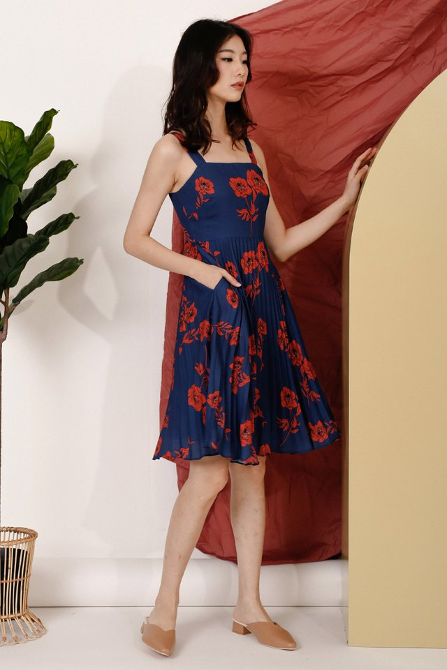SOPHIA FLORAL PLEAT DRESS NAVY
