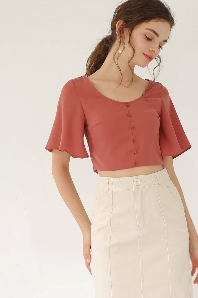 JODIE FLUTTER SLEEVE CROP TOP CORAL