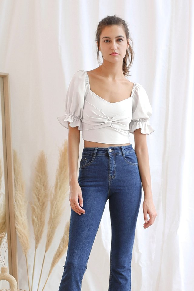 (BACKORDER II) LISA TWIST CROP TOP WHITE
