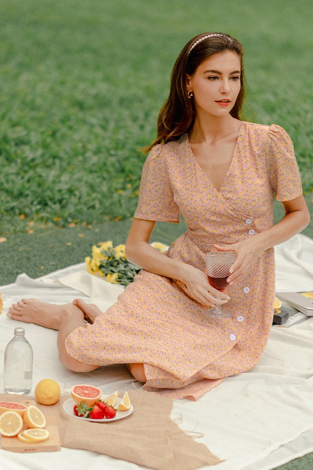 CLAUDIA FLORAL DRESS APRICOT