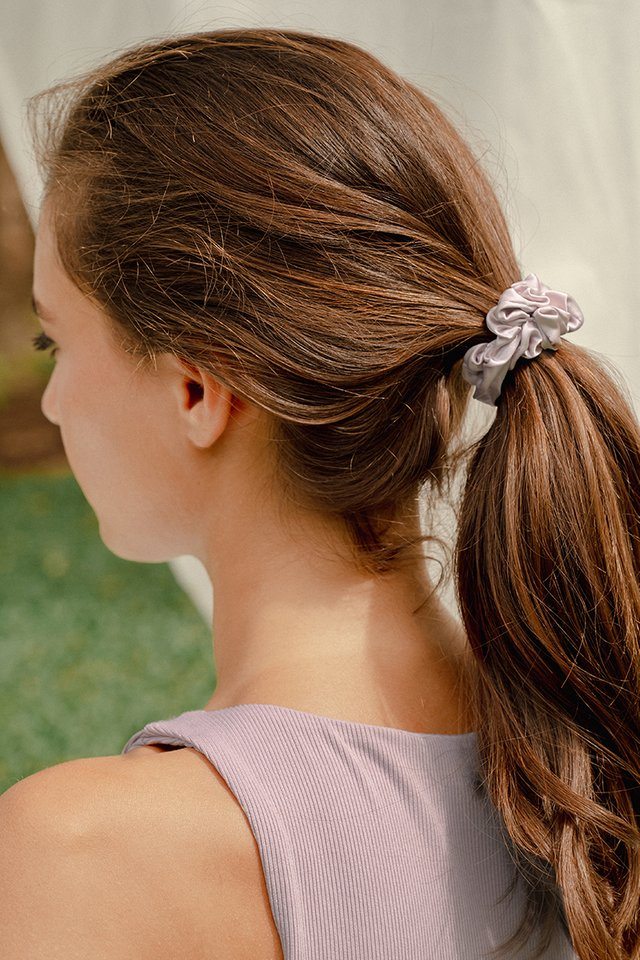 WILLOW SCRUNCHIE LILAC