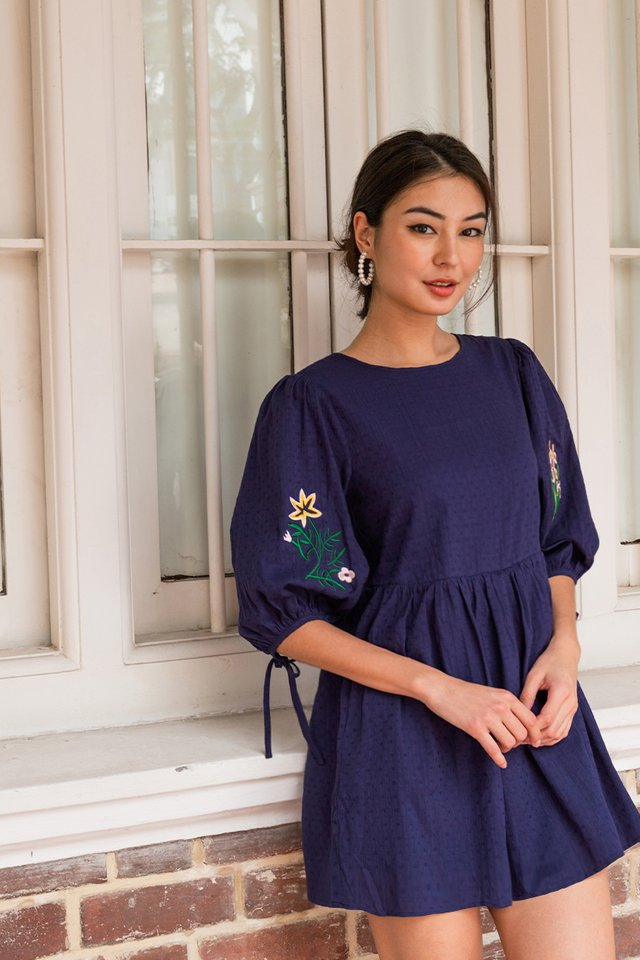 WILLA EMBROIDERY ROMPER NAVY